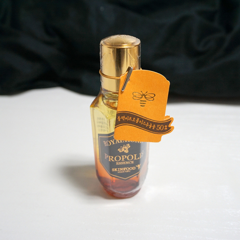 SKINFOOD Royal Honey Propolis Essence Review